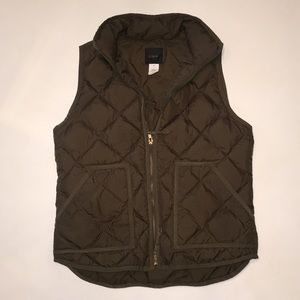 J. Crew - Quilted Olive Green Puffer Vest - M